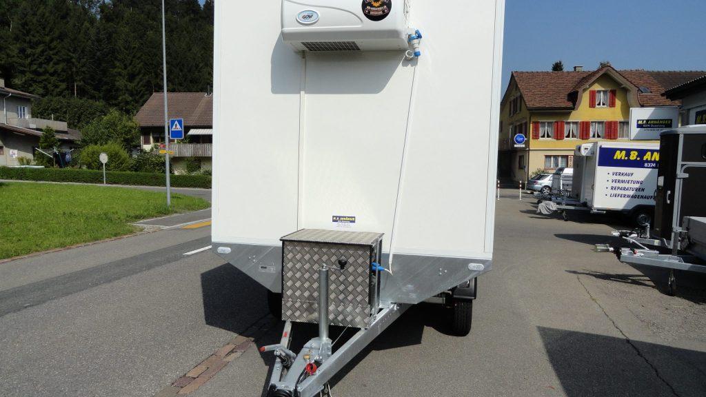 Hebebühnen-Anhänger Kühl-Kasten