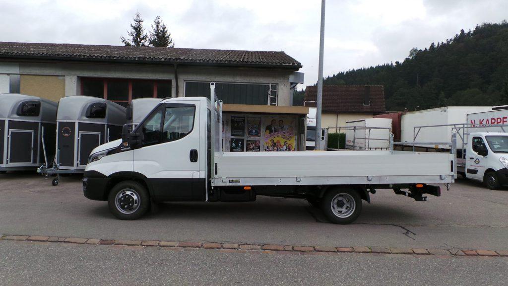 Lieferwagen-Aufbau: Brücken-Aufbau