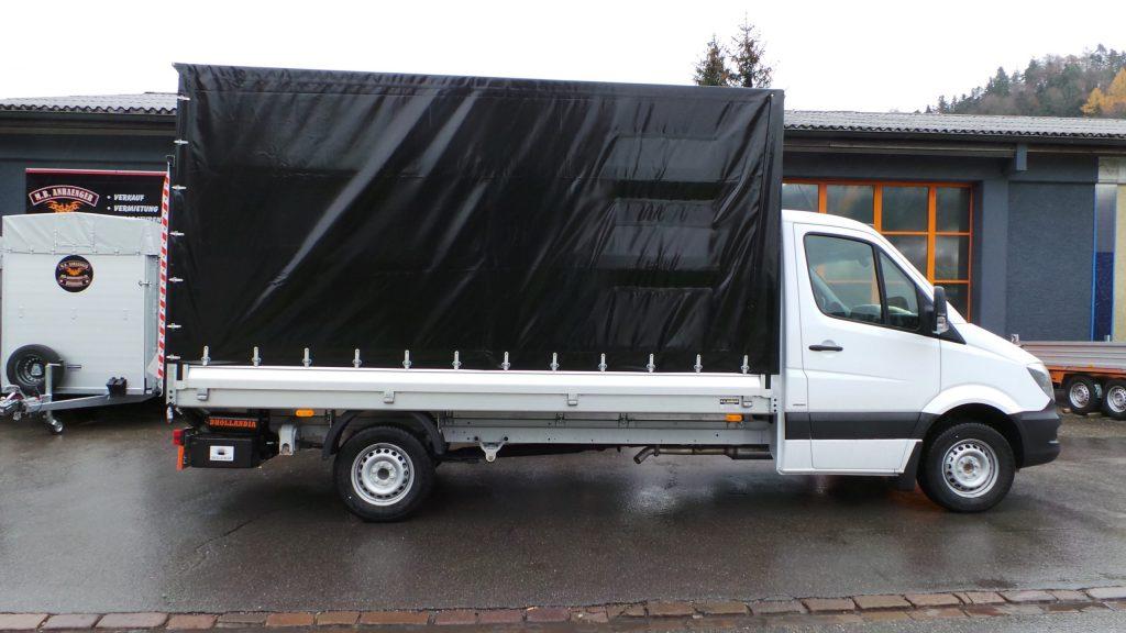 Lieferwagen-Aufbau: Planenaufbau